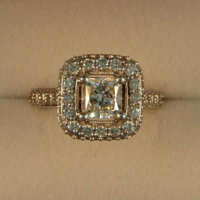 CroppedImage400400 1.06ct SI1 G radiant in double halo
