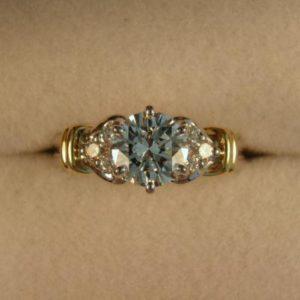 CroppedImage400400 1.21 G VVS2 diam ring