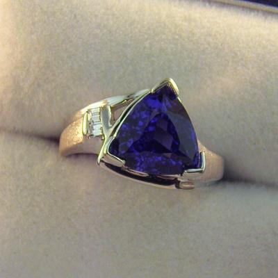 CroppedImage400400 3.22ct tril tanz ring AAA
