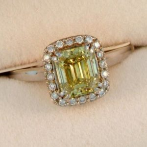 CroppedImage400400 WG yellow ec diam engagement ring