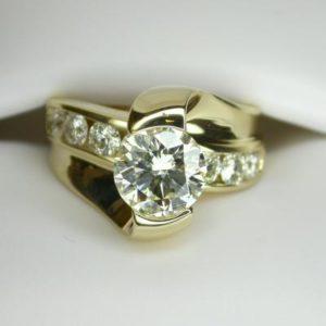 CroppedImage400400 YG diamond engagement ring