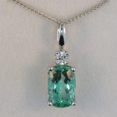 Vanadium Beryl Pendant