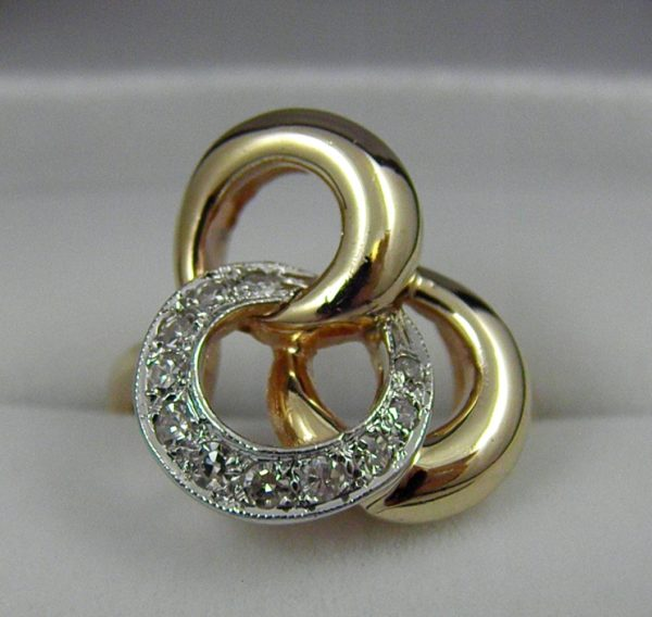 Vintage Diamond Tri lobal Swirl Ring 1