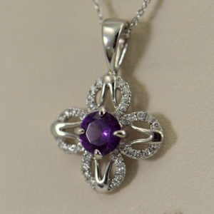 Mozambique Purple Garnet Pendant White Gold 2