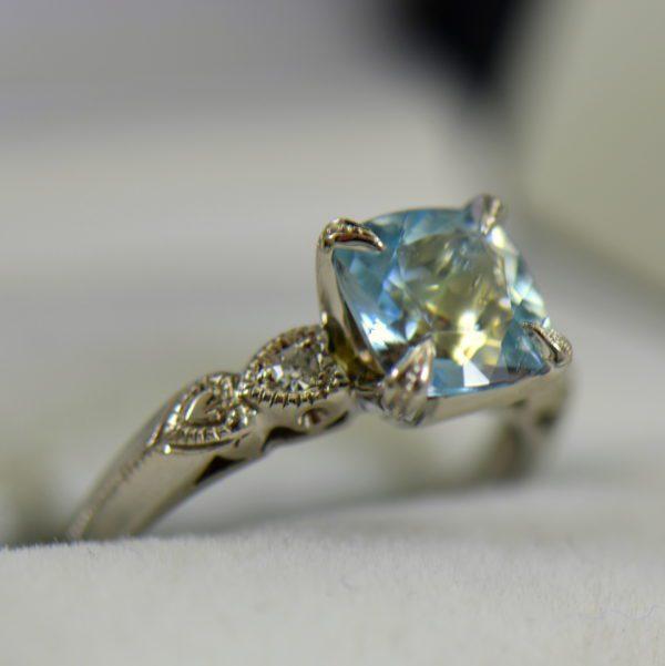 Vintage Aquamarine Engagment Ring Upcycled White Gold Milgrain Mounting 2