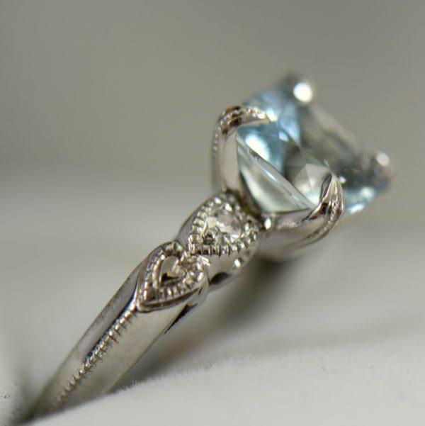 Vintage Aquamarine Engagment Ring Upcycled White Gold Milgrain Mounting 3