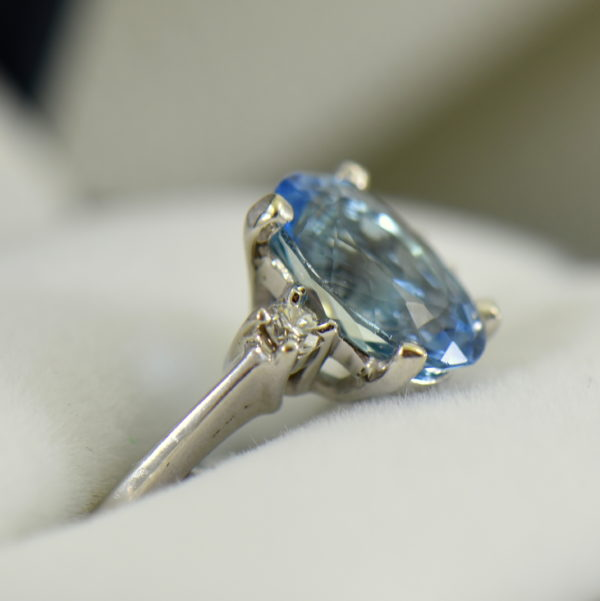 Intense Blue Natural Aquamarine Classic Engagement Ring in White Gold 2