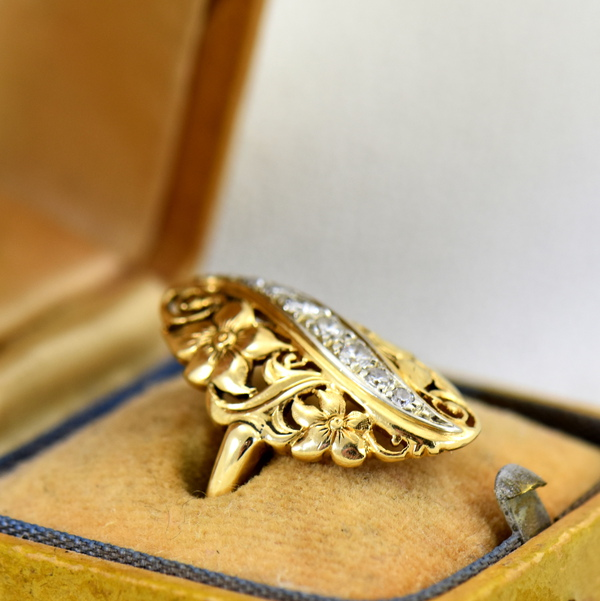 1930s Diamond And Floral Filigree Dinner ring 3