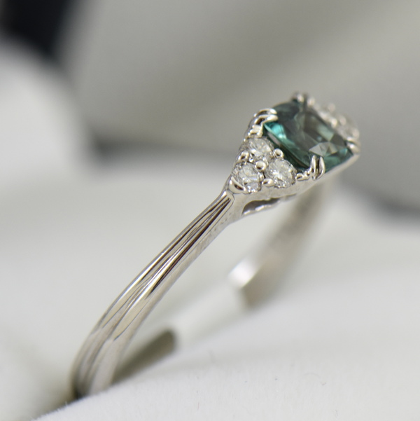 Alexandrite  Diamond Engagement Ring Strong Color Change 2