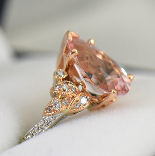 Exceptional Untreated Nigerian Morganite Pear Shape  Diamond ring in white and rose gold 2