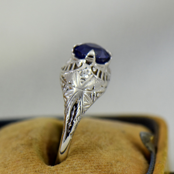 Round Royal Blue Sapphire Engagement Ring in Deco Platinum Mounting 2