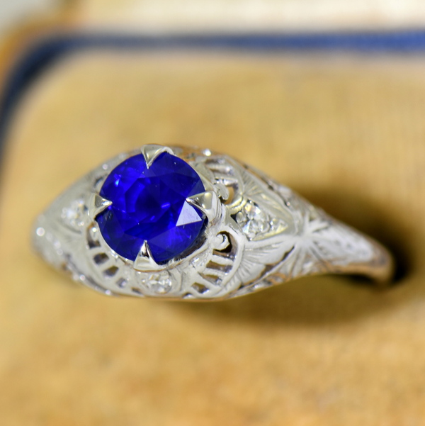 Round Royal Blue Sapphire Engagement Ring in Deco Platinum Mounting 5