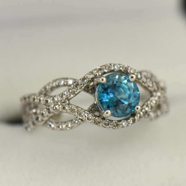 Woven Diamond Ring with Round Blue Zircon 2