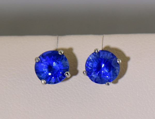 Round 6.2mm Ceylon Cornflower Blue Sapphire Stud Earrings 2 natural light.JPG