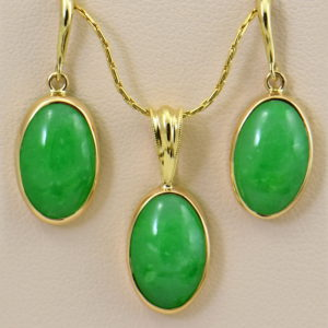 Burmese Jade Pendant Earring Set Yellow Gold.JPG