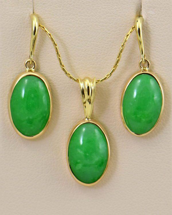Burmese Jade Pendant Earring Set Yellow Gold.JPG