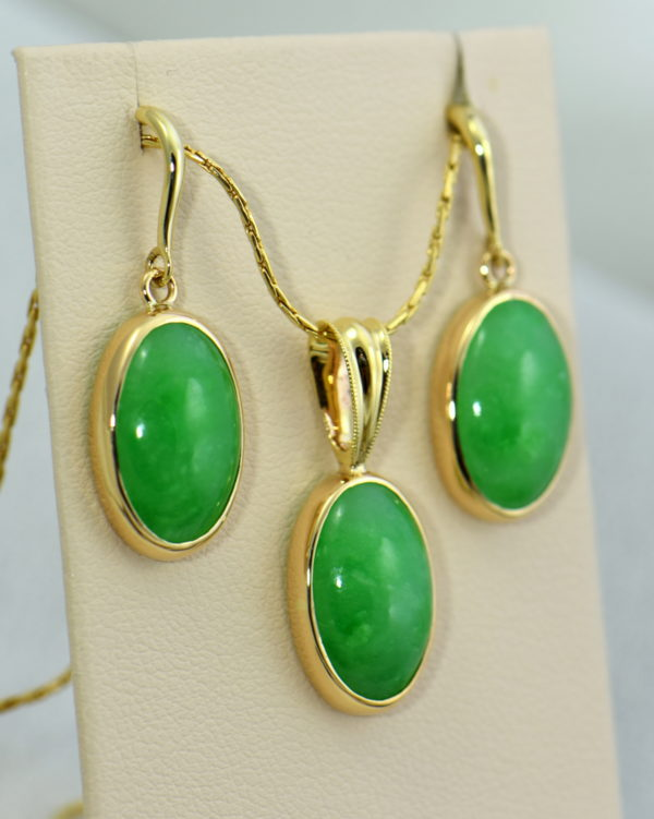 Burmese Jade Pendant Earring Set Yellow Gold 2.JPG