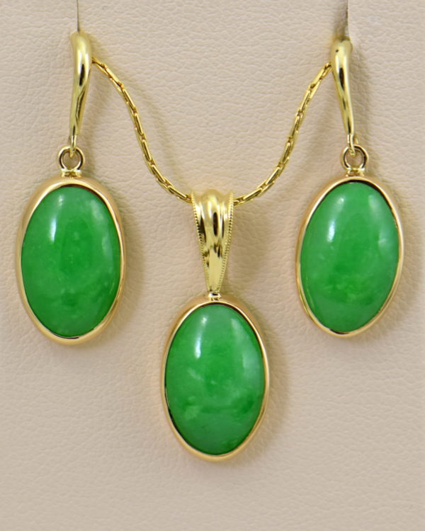 Burmese Jade Pendant Earring Set Yellow Gold 3.JPG