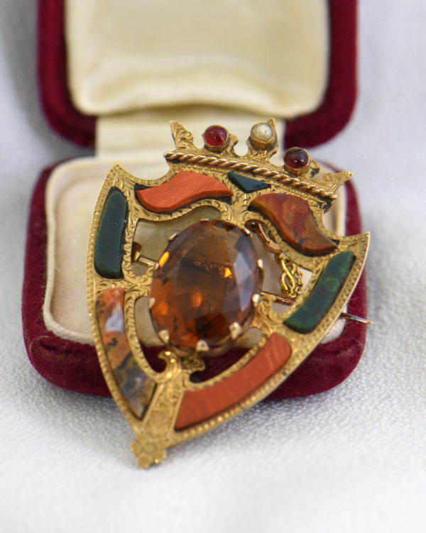 Scottish Agate Luckenbooth Brooch with Cairngorm 9k gold.JPG