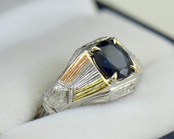 Deco Gents Sapphire Ring in Tricolor Gold 2.JPG