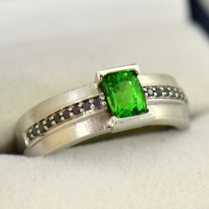 Gents White Gold Ring with Tsavorite Garnet and Black Diamonds.JPG