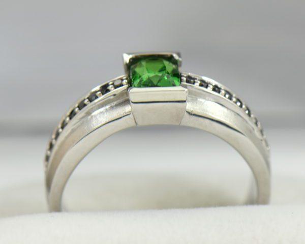 Gents White Gold Ring with Tsavorite Garnet and Black Diamonds 4.JPG