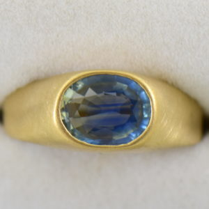 Kabana Estate Bicolor Teal Blue Sapphire Gents Ring 3.JPG