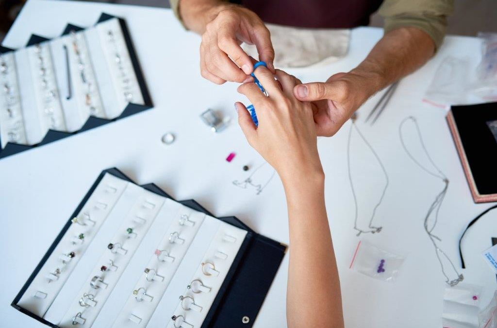 Custom Jewelers: Everything You Need to Know