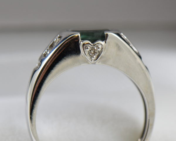 LeVian White Gold Ring with Bezel Set 1ct Alexandrite 4.JPG