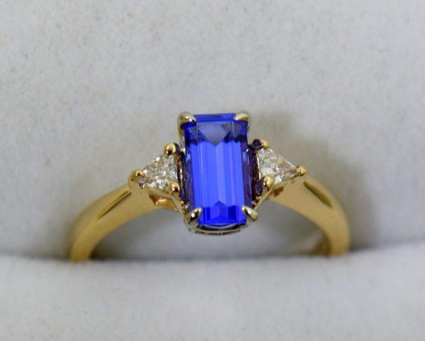 Petite Emerald Cut Tanzanite Trillion Diamond Yellow Gold Ring 5.JPG