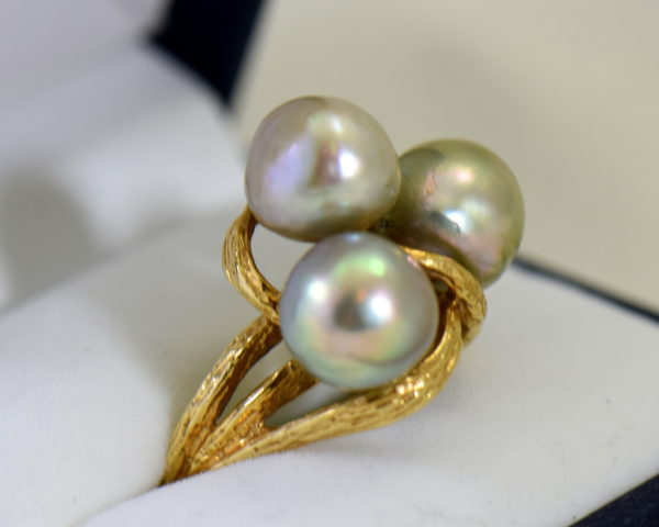 1960s cocktail ring with 3 baroque grey pearls in textured yellow gold 2.JPG