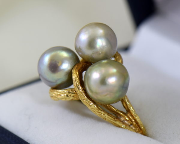 1960s cocktail ring with 3 baroque grey pearls in textured yellow gold 3.JPG