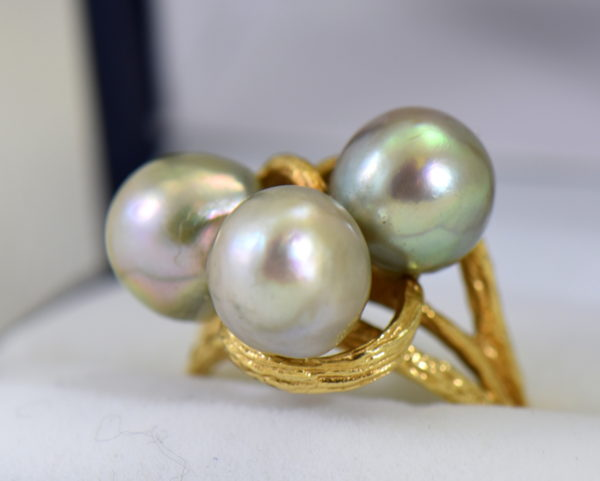 1960s cocktail ring with 3 baroque grey pearls in textured yellow gold 4.JPG