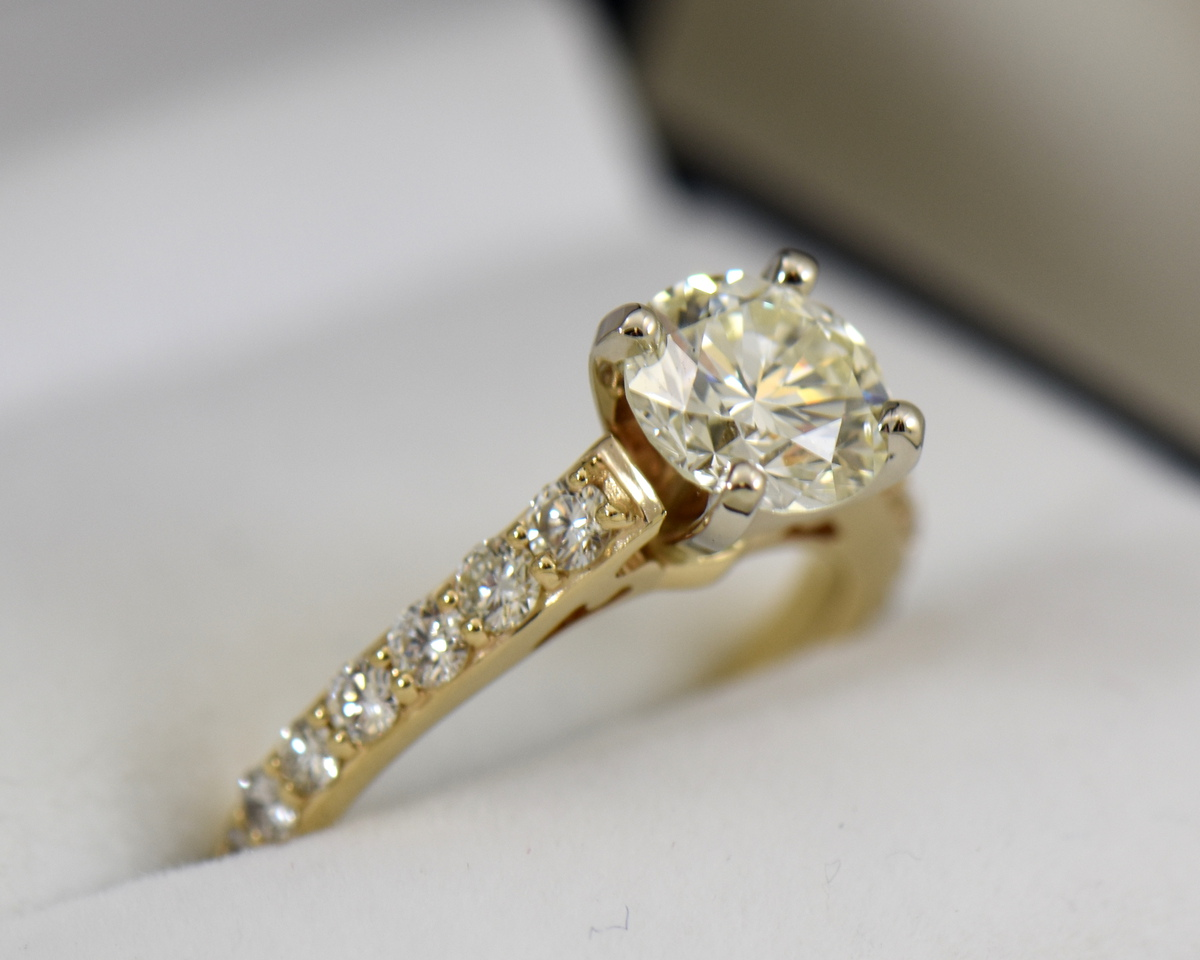 Yellow Gold accented solitaire engagement ring with 1.50ct vs kl round diamond 2.JPG