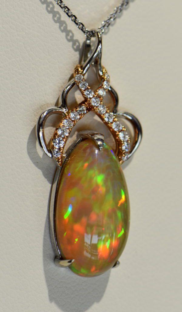 Ethiopian Crystal fire opal pendant with snakeskin pattern prismatic color rose gold 3.JPG