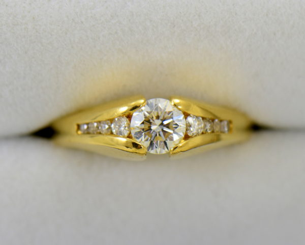 estate custom 18k engagement ring with .7ct round diamond and euroshank 3.JPG