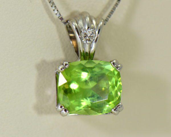 Pakistani Cushion Cut Mint Peridot Diamond pendant white gold 2.JPG