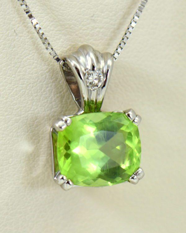 Pakistani Cushion Cut Mint Peridot Diamond pendant white gold 4.JPG