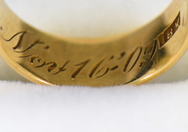 antique 7mm wide yellow gold wedding band 4.JPG